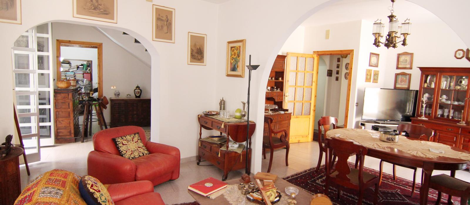 GREAT HOUSE IN VIA CAVOUR